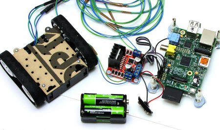 A course in digital and analog electronics using microcontrollers and microcomputers based on Arduino UNO and Raspberry Pi